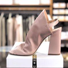 Scarpe CHIARINI BOLOGNA maxime carta Outlet Store, Bologna, Heeled Mules, Heels, Fashion, Elegant, Heel, Moda, Fashion Styles