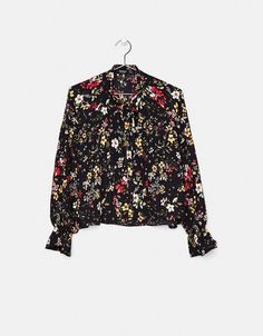 Victorian-style floral blouse. Discover this and many more items in Bershka with new products every week
