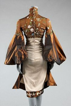 An Alexander McQueen for Givenchy couture wildflower embroidered gown, probably Autumn-Winter, Look Fashion, Womens Fashion, Fashion Design, Vintage Outfits, Vintage Fashion, 1950s Fashion, Victorian Fashion, Vintage Mode, Vintage Hats