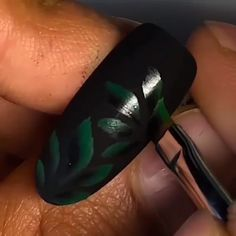 This nail design tutorial will leave you speechless 😉😍😍 Credits: sencillo videos AMAZING NAIL ART Nail Art Blog, Nail Art Hacks, Nail Art Diy, Easy Nail Art, Diy Nails, Fruit Nail Designs, Flower Nail Designs, Nail Art Designs Videos, Nail Art Videos