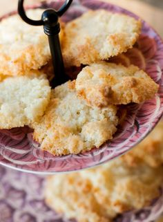 Easy and crunchy Coconut Cookies. Mexican Dinner Recipes, Cuban Recipes, Chilean Recipes, Chilean Food, Houston Food, Friend Recipe, Coconut Cookies, Latin Food, Cookies Ingredients