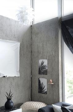 Palm print set on a concrete wall