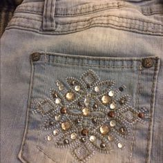 Cropped embellished jeans Very cute low rise cropped jeans, only worn one time❤️ Angels Jeans