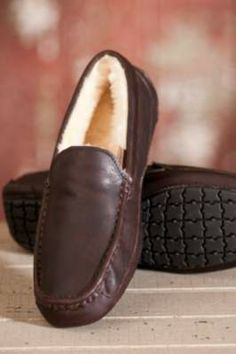 Men's Aiden Sheepskin Slippers By Overland Sheepskin Co, http://www.overland.com/Products/Footwear-4000/SheepskinSlippers-4002/MensSheepskinSlippers-688/MensAidenSheepskinSlippers/PID-50800.aspx