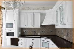 Фото реализованного интерьера - кухня в квартире, современная классика