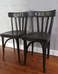 """Paire de chaise bistro """"CAFE CREME"""" / les couleurs de brocantine Chair Makeover, Furniture Makeover, Painted Chairs, Painted Furniture, Furniture Projects, Furniture Design, Before After Furniture, Urban Farmhouse, Chair Design"""