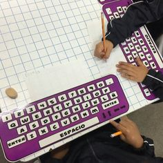 Preschool Names, Name Activities, Periodic Table, Ideas Bonitas, Teacher, Classroom, Reading, Children's Library, Speech Pathology