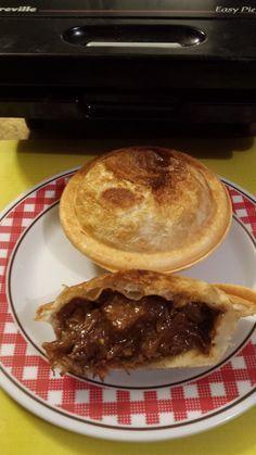 Steak, Kidney and Mushroom Pies (Slow Cooker Filling) Mushroom Pie, How To Cook Meatloaf, How To Cook Beef, Slow Cooker Recipes, Beef Recipes, Cooking Recipes, Recipies, Steak And Mushrooms, Slow Cooker