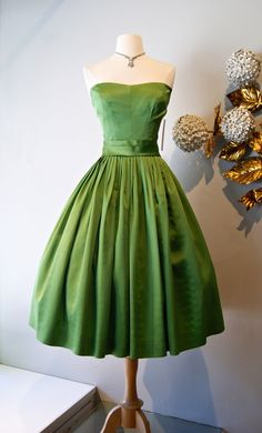 Vintage dress / Moss green 50's party dress xtabayvintage.com