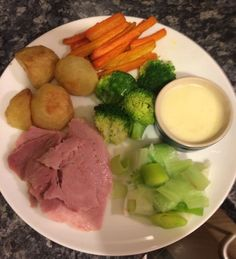 Gammon - Free Roast Potatoes cooked in frylight -Free Leeks -Speed Carrots -Speed Broccoli-Speed Cheese sauce-7 Syns