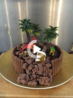 Dinasour Birthday Cake, Dinasour Cake, Dinosaur Birthday Party, Special Birthday Cakes, 4th Birthday Cakes, Birthday Ideas, Dino Cake, Dinosaur Cake Easy, Girl Dinosaur