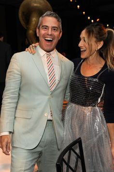 Sarah Jessica Parker Photos Photos - Andy Cohen and Sarah Jessica Parker attend the 2016 Parsons Benefit at Chelsea Piers on May 23, 2016 in New York City. - 2016 Parsons Benefit