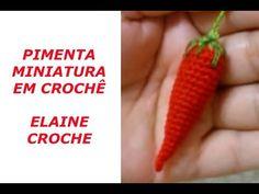 PIMENTA MINIATURAS EM CROCHÊ - YouTube Crochet Fruit, Crochet Food, Diy Crochet, Crochet Flowers, Play Food, Crochet Videos, Crochet Fashion, Loom Beading, Crochet Designs