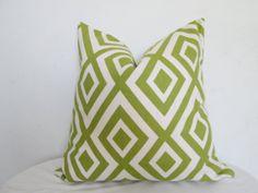 Geometric Design Decorative Pillow Cover - Green and White  - Accent Pillow - Throw Pillow - Pillow Cover