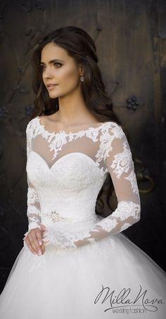 Tendance robes de soirée : Robe de mariée Milla Nova : princesse avec de la dentelle manches longues déc