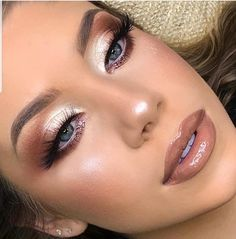 # Make-up Inspiration Christmas Makeup - Professional Makeup - Party Makeup - Wedding Makeup Bride Makeup, Wedding Hair And Makeup, Glam Makeup, Party Makeup, Skin Makeup, Makeup Inspo, Eyeshadow Makeup, Makeup Inspiration, Eyeliner