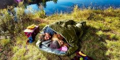 14 Best Double Sleeping Bags in 2020 [Buying Guide] – Gear Hungry Hiking Sleeping Bags, Lightweight Sleeping Bag, Couple Sleeping, Extreme Weather, Happy Campers, Outdoor Activities, Cozy, Camping, Tossed