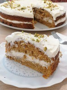 Főzz a Séffel!#17 Pofonegyszerű répatorta a Mónisütitől - Dining Guide Vanilla Cake, Tiramisu, Cheesecake, Dining, Ethnic Recipes, Food, Cheesecakes, Essen, Meals