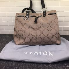 Beautiful NEW Oroton Bag❤️ Pretty bag, received as gift but not quite my style! Pretty tan color with silver hardware and magnetic closure. Z#0110 Oroton Bags Satchels