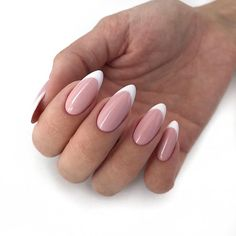 Long acrylic nails are too sharp, and short nails are too ordinary? Then you need almond nails, which are of moderate length. Almond nails are named after their shape similar to almonds. French Nails, Almond Nails French, Gel French, Almond Shape Nails, French Polish, Cute Almond Nails, Almond Nail Art, Almond Acrylic Nails, Cute Nails