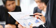 Nauczanie na kierunku RACHUNKOWOŚĆ  W programie znajdą się przedmioty takie jak: -Podstawy przedsiębiorczości -Język angielski w rachunkowości -Działalność gospodarcza w branży ekonomicznej -Rachunkowość finansowa -Wynagrodzenia i podatki  Praktyka obejmuje: -Biuro rachunkowe -Dokumentacja biurowa -Biuro wynagrodzeń i podatków Uzyskane Kwalifikacje: K1- Prowadzenie rachunkowości (A.36.) K2-Rozliczanie wynagrodzeń i danin publicznych (A.65.)  www.educatio.edu.pl