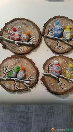 Nature Crafts 50 Amazing Painted Rocks Houses Ideas You'll Love – BuzzTMZ Stone Crafts, Rock Crafts, Holiday Crafts, Fun Crafts, Nature Crafts, Christmas Pebble Art, Christmas Rock, Wood Slice Crafts, Family Ornament