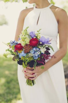 #Bouquet - A Red White and Blue Americana Wedding | On #SMP: http://stylemepretty.com/2013/11/11/americana-wedding-from-brooke-courtney-photography | Photo: Brooke Courtney Photography