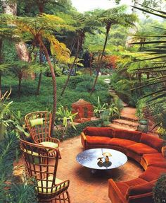 Outdoor seating: Conversation pit