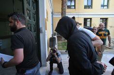 В Янине пойман сексуальный маньяк http://feedproxy.google.com/~r/russianathens/~3/GsUiDv5d_yk/23298-v-yanine-pojman-seksualnyj-manyak.html  В результате полицейской операции, пойман маньяк, наводивший ужас на женщин в Янине (Греция).