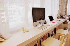 narrow desk - is it comfortable?