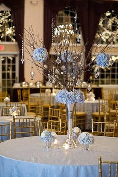 Pale blues and silver look so elegant together. Photo via Pinterest