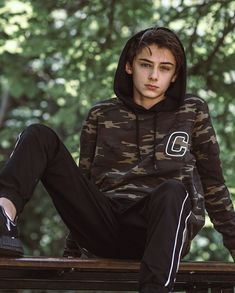 Celebrities - William Franklyn-Miller Photos collection You can visit our site to see other photos. Cute 13 Year Old Boys, Young Cute Boys, Cute Teenage Boys, Teen Boys, Boy Models, Male Models, William Franklyn Miller, Frank Miller, Hot Boys