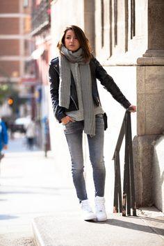 15 Ideas to Wear Knit Scarves in Winter - Pretty Designs