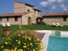 Located a few kilometers from Todi, the famous medieval town, Wizard's Tower is a beautiful country house on a hilltop position, which was rebuilt with the original stones on the ancient foundations of a medieval ...