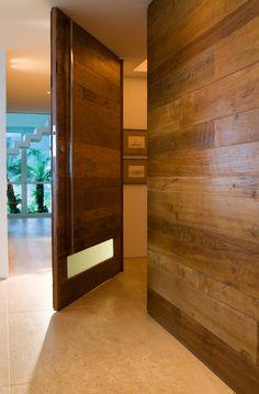 Portas Pivotantes Fazem a Diferença  | Click Interiores
