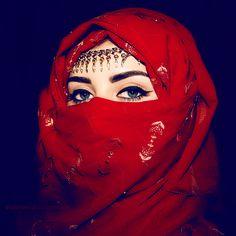 girl fashion eyes muslim blue eyes woman Make up islam dubai arabic arab arabian uae Hijabi Hijab middle east Muslimah KSA abaya niqab united arab emirates muslima niqabi khaleeji Ameerah Arabian Eyes, Arabian Beauty, Muslim Girls, Muslim Women, Arab Women, Beautiful Hijab, Beautiful Eyes, Arab Swag, Niqab Fashion