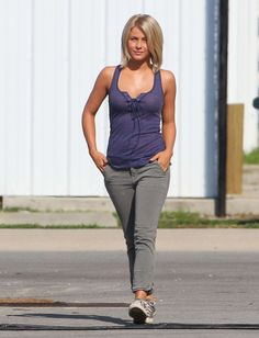 Julianne Hough safe haven hair cut! Love it! I have long straight blond hair and just got mine cut like this and it looks great on this type of hair