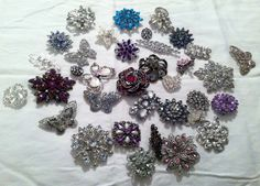 Another Great Brooch Bouquet Tutorial This One With Flowers Make Stems For Brooches