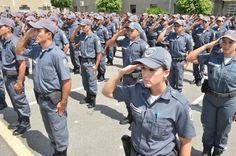 """BLOG ÁLVARO NEVES """"O ETERNO APRENDIZ"""" : CERCA DE 600 POLICIAIS MILITARES VOLTAM AO TRABALH..."""