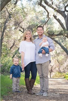 Outdoor family photo, family of 4 pose, family pose with young children, family photo outfit ideas, Ashley Danielle Photography: Seattle Family Photographer | La Verne, CA