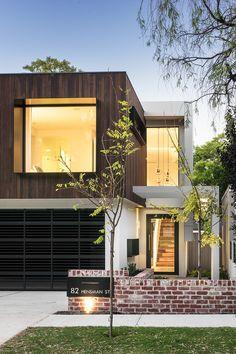 I post Interior Design & Exterior Architecture. Duplex Design, Townhouse Designs, Modern House Design, Architecture Durable, Residential Architecture, Modern Architecture, Deco Design, Design Case, Facade Design