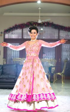 Gorgeous Engagement Lehenga #lehenga Pink and gold Indian wedding outfit