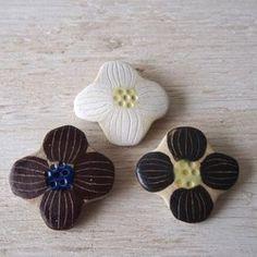 花びらブローチ 1