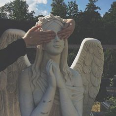 grunge aesthetic I love you and I will shield your eyes from everything ugly and everything sad Angel Aesthetic, Aesthetic Vintage, Music Aesthetic, Aesthetic Statue, Aesthetic Grunge Tumblr, Aesthetic Photography Grunge, City Aesthetic, Aesthetic Dark, Backdrops
