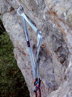 6 ways to NOT build an anchor - #rockclimbing