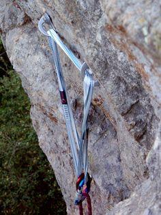 6 ways to NOT build an anchor - #rockclimbing
