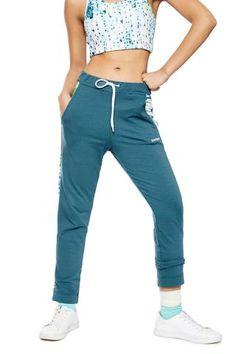 Dámské Sportovní Oblečení / Different.cz - 1599 Kč Leggings, Fitness, Sweatpants, Sport, Fashion, Pants, Sports, Style, Women