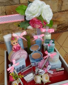 New Diy Beauty Gifts Basket 34 Ideas Wedding Hamper, Wedding Gift Baskets, Rustic Wedding Gifts, Wedding Gift Wrapping, Wedding Gift Boxes, Wedding Crafts, Diy Wedding Decorations, Diy Beauty Gift Basket, Baby Shower Baskets
