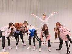 Yuri, Sakura Miyawaki, Japanese Girl Group, Golden Child, Extended Play, 3 In One, The Wiz, Kpop Groups, K Idols