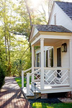 Stunning Front Door Ideas: Add a Portico! Stunning Front Door Ideas: Add a Portico! Front Door Awning, Front Porch Railings, Front Porch Design, Back Porch Designs, Front Stoop, Front Doors, Balustrades Avant, Better Homes And Gardens, Traditional Porch